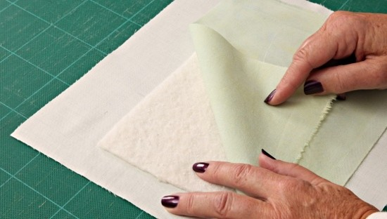Dorothy Russell Quilt Tutorials. How To Sandwich Quilt Layers Using Safety Pins and a Spoon