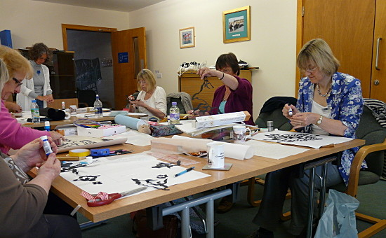 Notan Quilt workshop at Romsey Quilters. Dorothy Russell