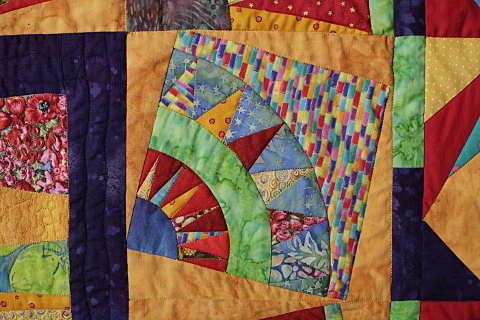 Dorothy Russell Quilt. Bright Medallion. Detail
