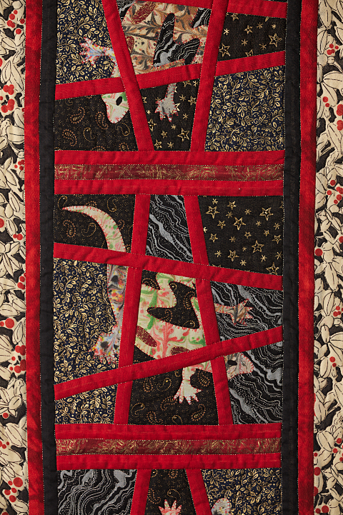 Dorothy Russell Quilt. Gecko 2. Centre detail